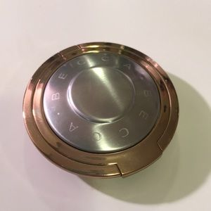 BECCA Light Chaser Highlighter Pearl Flashes Gold